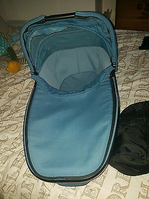 Quinny foldable carrycot and raincover