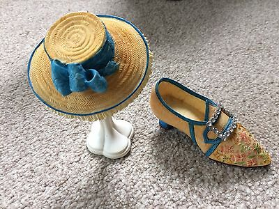 Just the Right Shoe with Matching Hat and Stand Harmony 1784