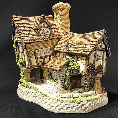 Tom Fool's Cottage - David Winter Cottages Collectors Piece No. 9 1991 w/ C.O.A