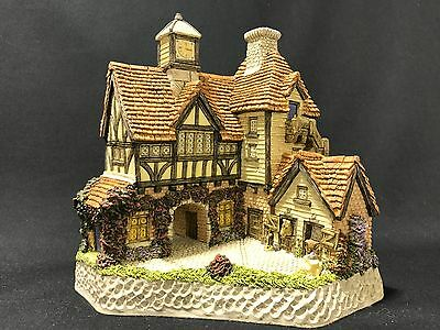 Punch Stables - David Winter Cottages Collectors Piece No. 20 Mint w/ C.O.A.