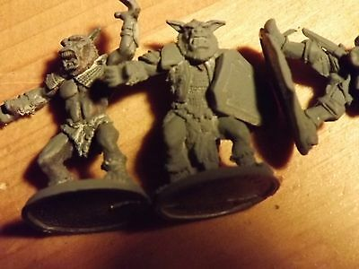 5 x 28mm 3 Ral Partha models plus Heros or Knights oldish figures