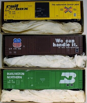 3 HO Roundhouse 50' Combination Door Box Car Kits (BN, UP, Railbox)