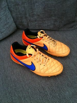 Kids Football Boots Size 5.5 Nike Tiempo Moulded Studs