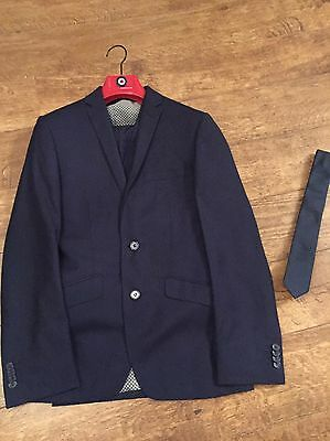 Small Men's 3 Piece Suit With Tie And Shirt NAVY