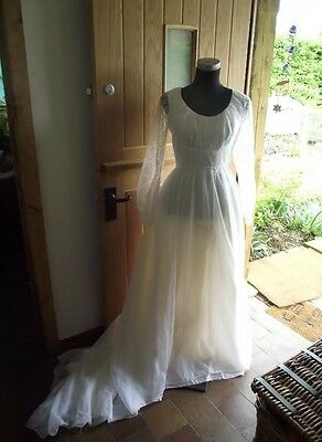 True vintage 1970's wedding dress  full length, lace sleeves, gathered size 8/10