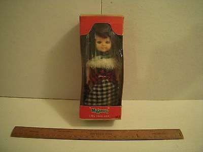 Vintage Welsh doll in National Costume - Boxed