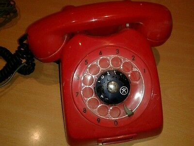 Vintage/retro Red Dial Telephone