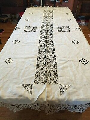 Antique Figural Courting Couple Rosettes Reticella Lace Ivory Tablecloth