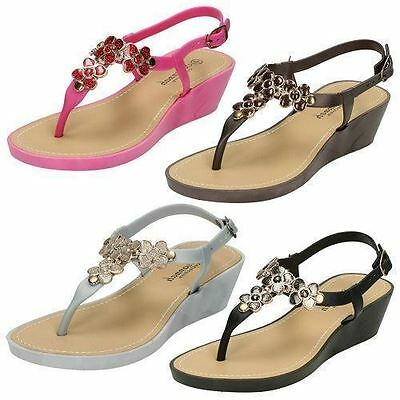 Ladies F10432 Toe Post Wedge Sandals By Savannah Collection