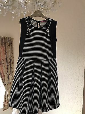 Girls Party Dress Age 9-10 Years Lovely Condition ��