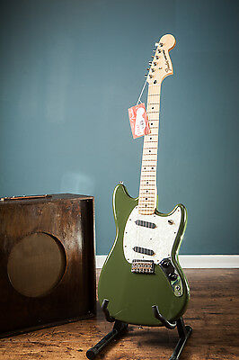 Fender 2016 Olive Green Mustang Offset S/s Electric Guitar Mim Immaculate Ss