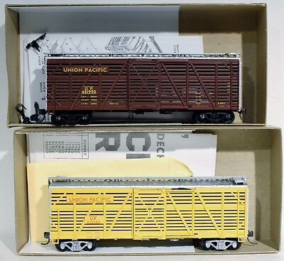 2 HO Athearn 40' Stock Car Kits (Union Pacific) #01779, #01770