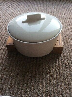 Habitat Porcelain Casserole Dish With Stand