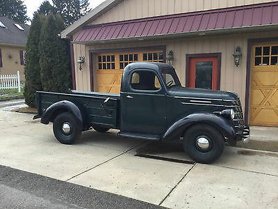 "1937 International Harvester D-2 Truck International Truck 1937 - D-2 - 1/2 Ton "" Barn Find "" Very Clean Original Truck"