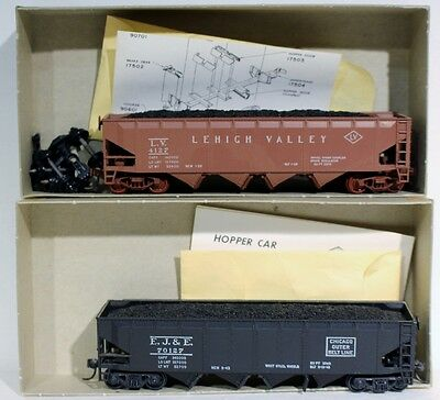 2 HO Athearn Hopper Car Kits (Lehigh Valley, EJ&E) #1750, #1751
