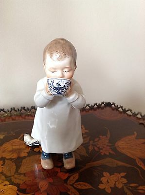 Very Nice Superb HENTSCHEL CHILD Figurine Drinking From a Cup