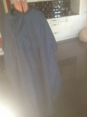 HAIRDRESSING GOWN/Barber cutting cape