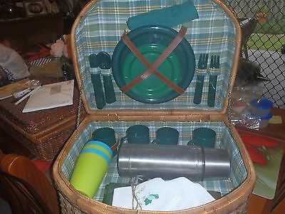 Large Retro - Vintage Picnic Basket For 4 Persons