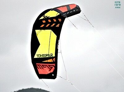 2014 Slingshot RPM Kiteboard/surf Kite 8M (complete with bar and lines)