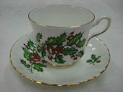 Royal Stafford CHRISTMAS HOLLY Tea Cup & Saucer Made In England TR8