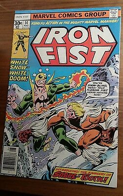 IRON FIST #14 ( Marvel 1977) 1st SABRETOOTH -- HIGH GRADE -- CLASSIC BYRNE --