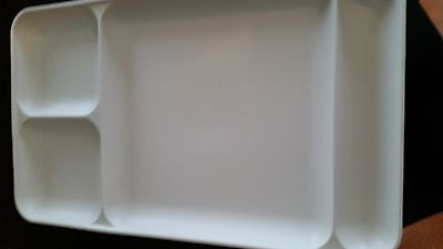 Vintage Tupperware 4 Section Divided Trays Almond #1535-4   Lot of 4 Excellent