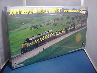 John Deere Ho Scale Train Set Year 2000-Sealed In Cellophane-4Th In A Series