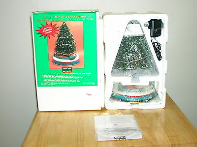 Lionel Holiday Collection Christmas Tree with The Blue Comet Train New Old Stock