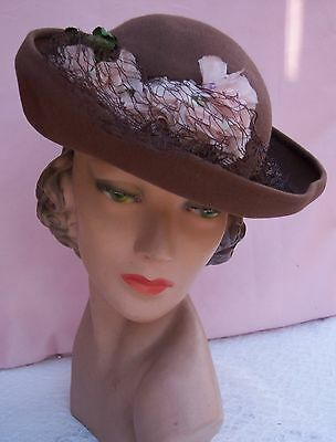 Gorgeous Vintage Velvet Ladies Hat  from the 1930's - 40's