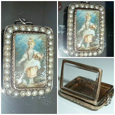 Victorian 9ct Gold hand painted miniature seed pearl Locket Pendant Girl Doves