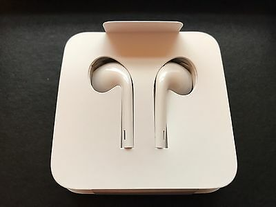 NEW Apple iPhone 7 EarPods, Lightning Connector