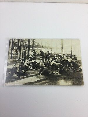 Wwi Military Carte Postale Rppc Real Photo Group Of Soldiers Setting The Stakes