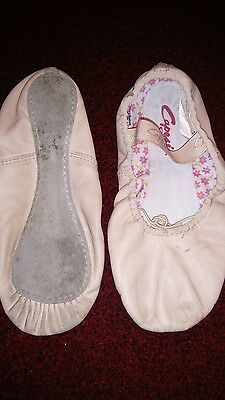 pink capezio ballet shoes.. Size 4. used