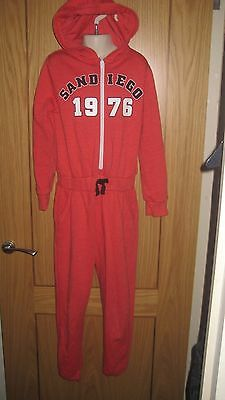 Fab Red Hooded  Onesie... All In One... Half Zip Age 8-9 By Yd Vgc  Fast Post