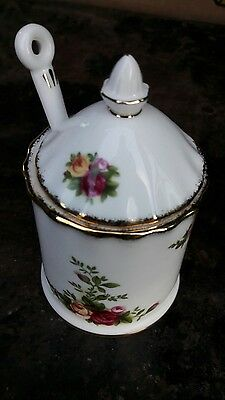 RARE.Royal Albert Old Country Roses Lidded Preserve Pot with Spoon 1st. Quality