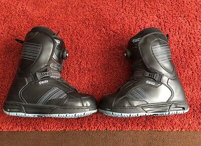 Vans Encore Womans Snowboard Boots Uk 6 + Bootbag/elbow And Knee Pads
