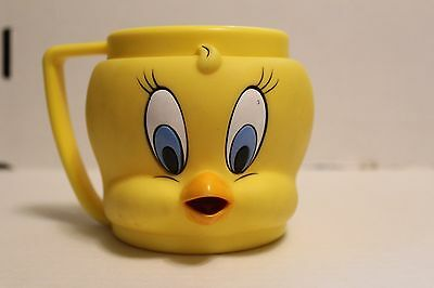 Vintage 1992 Tweety Bird Plastic Collectors Mug Cup Warner Bros