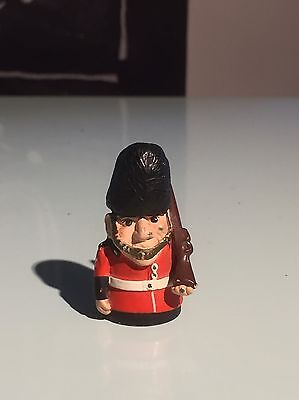 Quality Royal Queen's Guard Highly Collectible Pewter Thimble Made in England