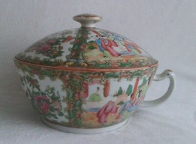 Antique Early Canton Chinese Porcelain Rose Medallion Chamber Pot w Lid. 1800.