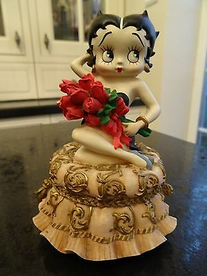 Rare Betty Boop Musical Figurine Wanna Be Loved By You