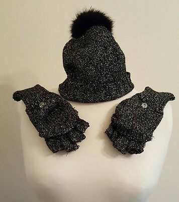 womens hat and gloves which turn into mitts, grey, silver.