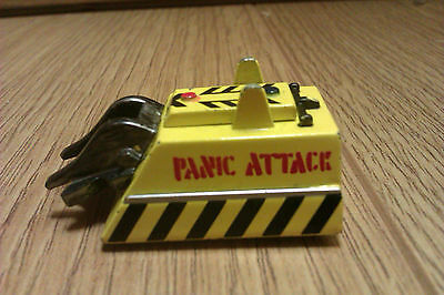 """METAL ROBOT WARS MINIBOT """"PANIC ATTACK"""" pull back & go 4.5cm Used"""