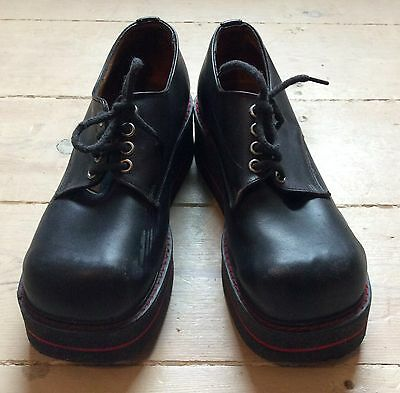 Amazing vintage Red or Dead leather platform shoes, size 5. Classic 90s!