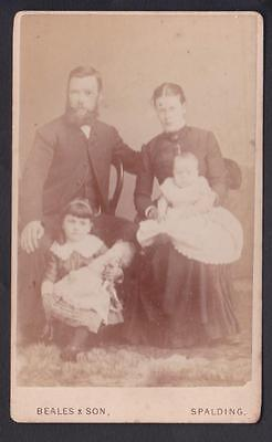 Carte De Visite Photo Spalding Lincolnshire Family Group Little Girl & Her Doll