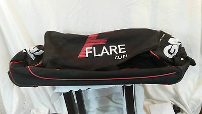 Gunn and Moore Flare Club Wheelie Cricket Kit Bag. Used. Very Good Condition.