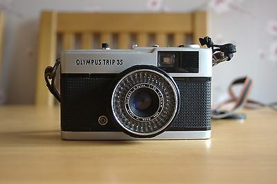 Excellent Vintage Olympus Trip 35 Compact Camera ~ Working Condition