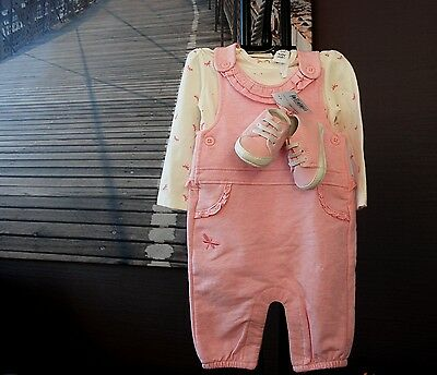 NEUF: ensemble C&A Babyclub fille salopette chemise chaussons 6 mois