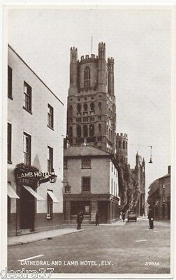 Cambridgeshire Postcard Ely Cathedral & Lamb Hotel Unposted Real Photo Postcard