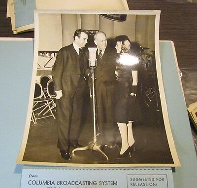 1940 Lucille Wilds Gabriel Hatter We The People CBS Radio Show Press Photo 8x10