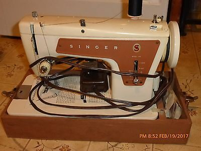 Vintage Singer 239 Fashionmate Sewing Machine with Case Foot Pedal Manual